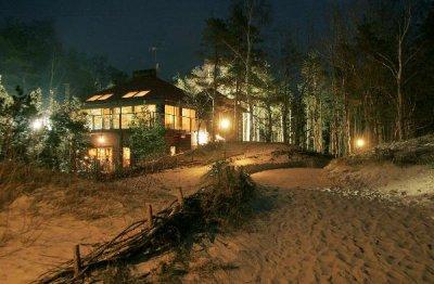 """Villa """"Chateau Amber"""" - rojaus kampelis ant gintarinio Baltijos jūros kranto"""