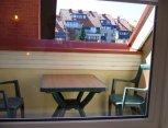 Balkone galima megautis rytine kava